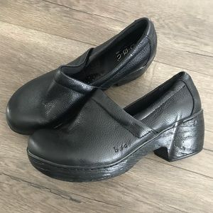 Born BOC Leather Clogs Mules Shoes - Size 7.5
